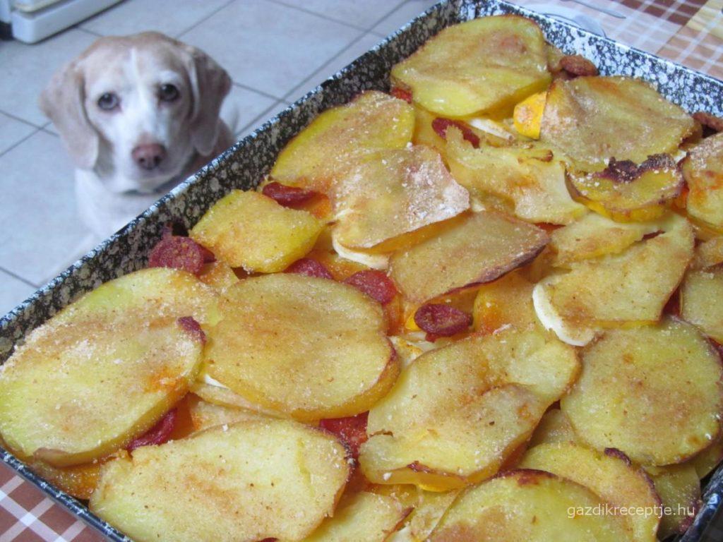 Rakott krumpli Beiglivel